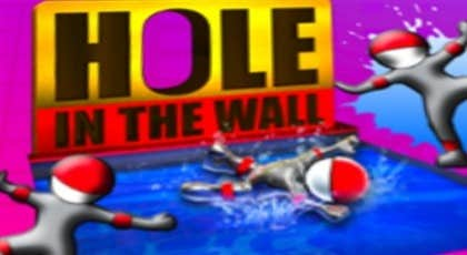 Play Hole In The Wall - Twisted Figures