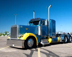 Play Industrial Truck Racing 3