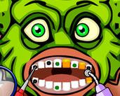 Play Halloween Dentist